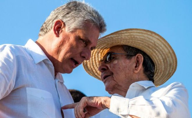 Diaz-Canel_and_Raul_Castro